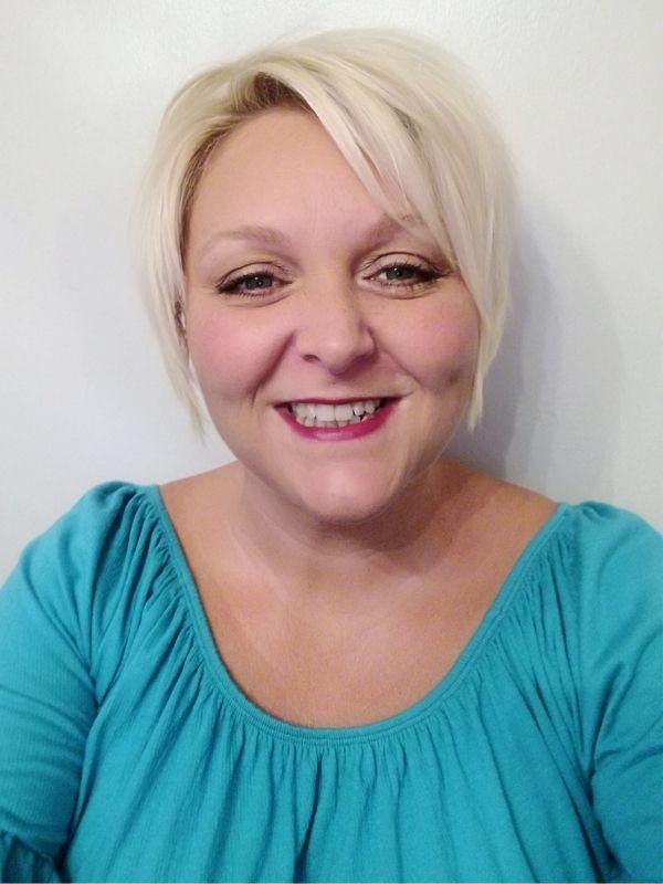 Sarah Lynn owner of Simple Online Solutions
